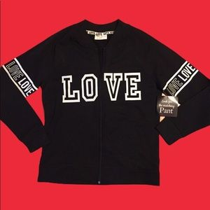 5/$25⭐️ NWT LOVE black & white long sleeve